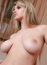 Huge breasted babe