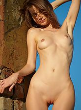 young nubile, Fibby in Close To You